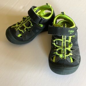 Osh Kosh sandals size 6